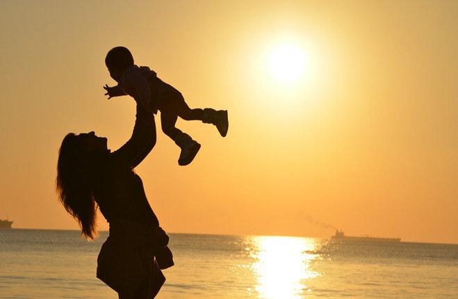 cognome materno ai figli