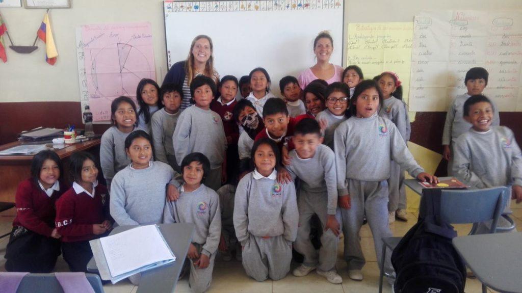 Sorelle Cavalletti un anno in giro per il mondo - Ecuador Escuela Katitawa