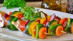 lunedì verde lundi vert Francia dieta vegetariana spiedino di verdure