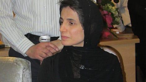 avvocata Nasrin Sotoudeh condannata 33 anni di carcere e 148 frustate Iran