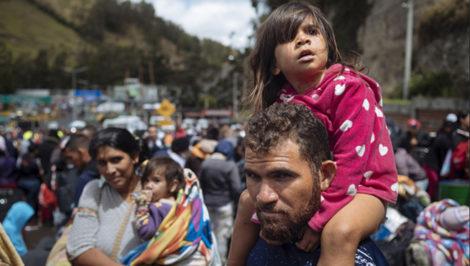 Venezuela Rumichaca, confine tra Colombia e Ecuador. pescatore venezuelano in viaggio ©UNICEF