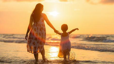 I tuoi figli non sono figli tuoi, le rime di Gibran dedicate ai genitori