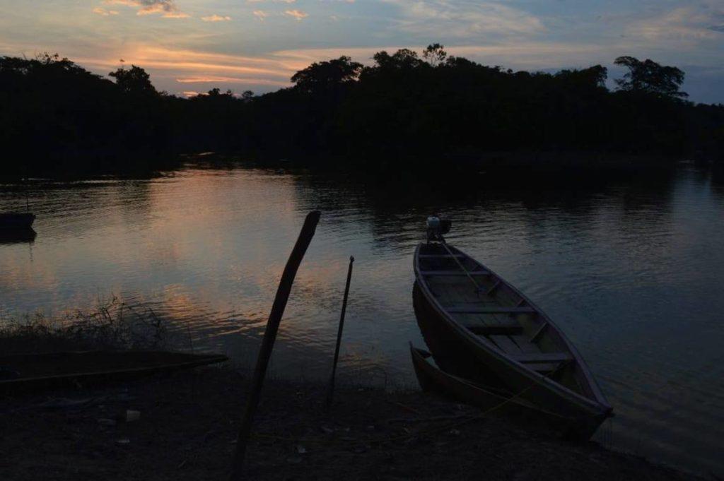Giovani e Missioni intervista a una ragazza a Santa Rita do Weil in Amazonas Brasile