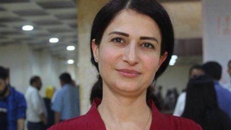 Hevrin Khalaf attivista siriana Partito del Futuro siriano uccisa dai turchi