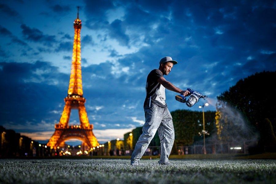 Saype Parigi Beyond Walls