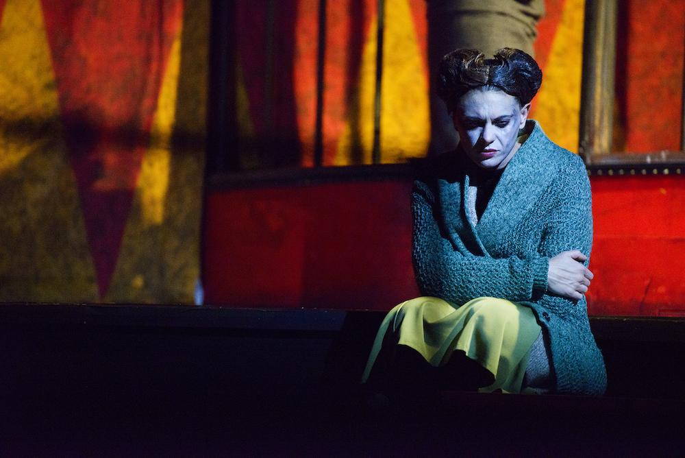 La-commedia-della-vanità-foto-di-Serena-Pea-ERT emilia romagna teatro