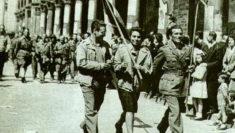 Partigiani_sfilano_per_le_strade_di_milano La madre del Partigiano poesia Gianni Rodari