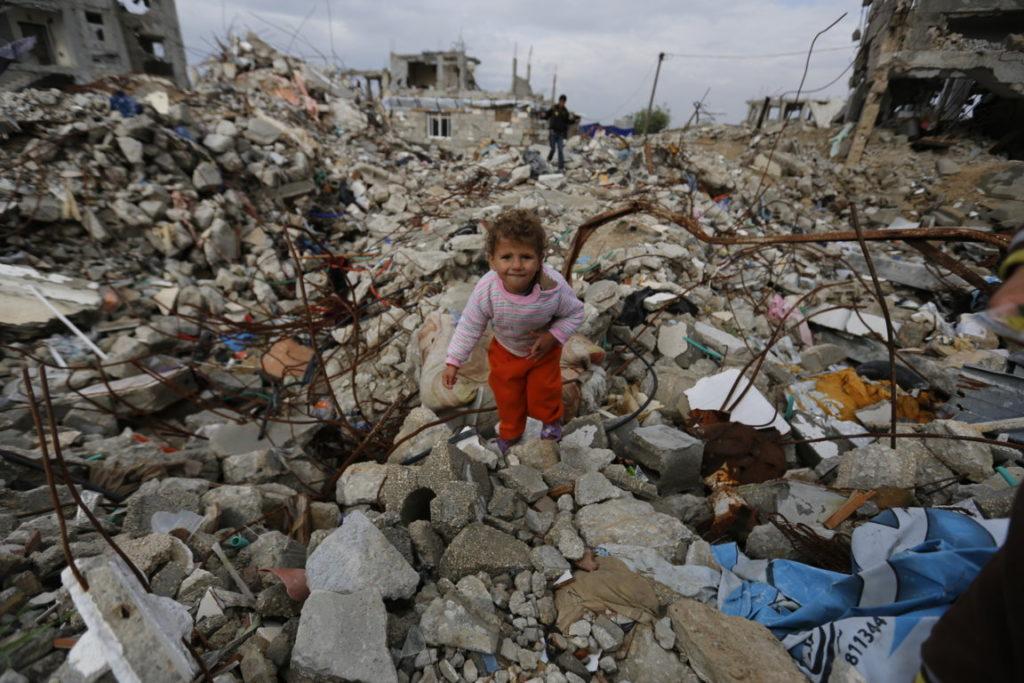 Gaza_Effetti bombardamenti israeliani_Anas Al Baba_91002