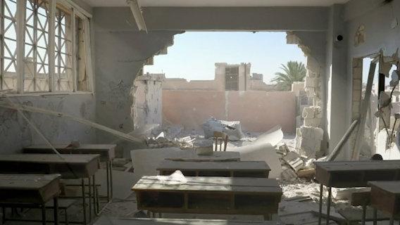 Oxfam sta aiutando a riabilitare circa 250 appartamenti danneggiati in diversi quartieri. Dania Kareh - Oxfam