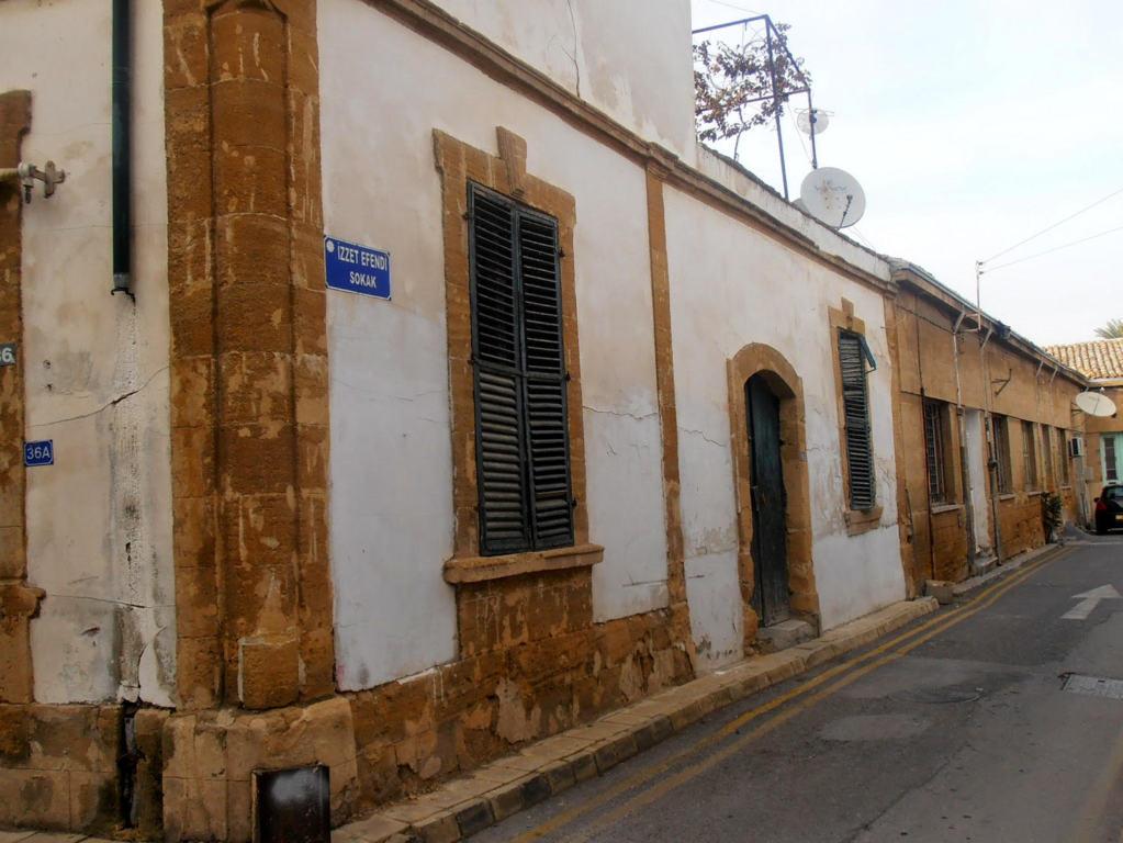 Una strada silenziosa nella zona turca di Nicosia Cipro del Nord