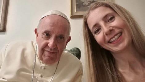 Simona e Claudio a tu per tu con Papa Francesco Simona Anedda