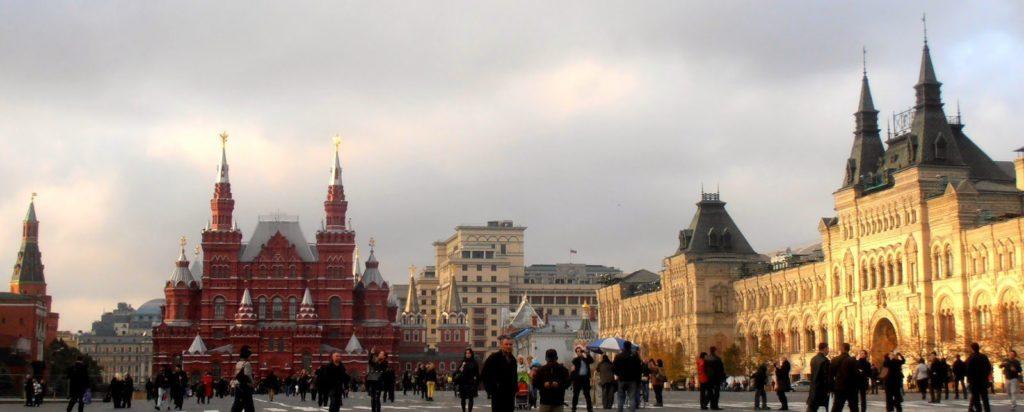 Piazza Rossa_ sulla destra, i magazzini GUM_ al centro_ Museo della Storia russa