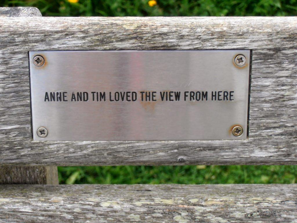 Targa in memoria di Anne e Tim, Beachy Head, Regno Unito