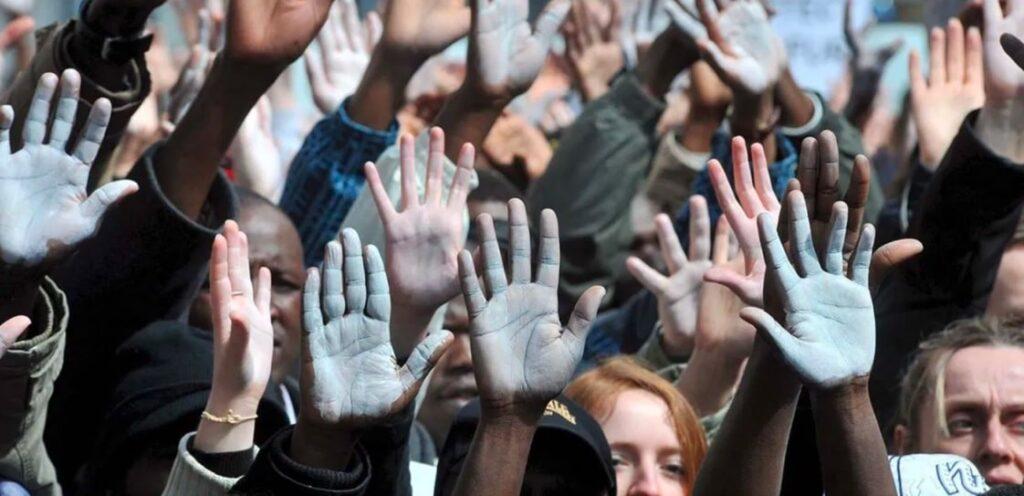 mani accoglienza migranti