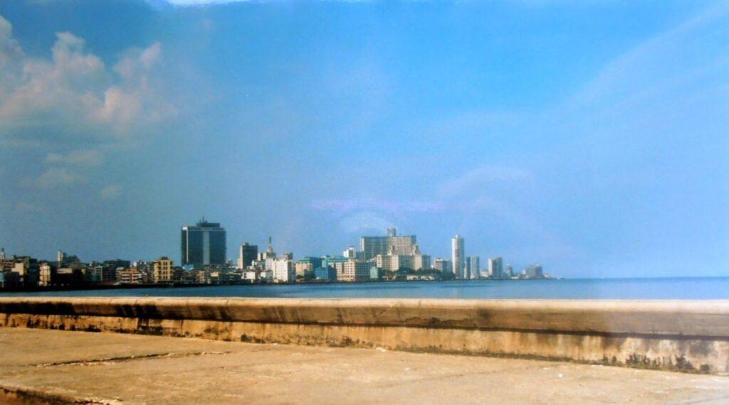 Veduta di un tratto del Malecon, La Habana, Cuba