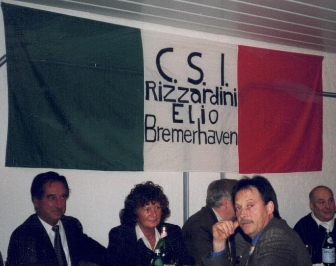 1996 - Centro Culturale Italiano Ezio Rizzardini Bremerhaven.  Il secondo da destra è Nerino Coccato.