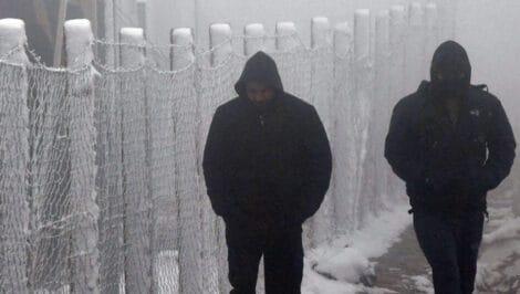 """Bosnia ed Erzegovina, migranti al gelo a Lipa """"Gli alloggi ci sono, manca volontà politica Amnesty International"""